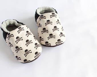 skull and crossbone halloween pre walker and toddler shoes
