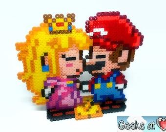 Super Mario Bros - Mario & Princess Peach Kissing Gamer Wedding Centerpiece Decorations (Large)