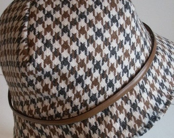 Hat pattern fit headsize 22.5 inch headsize easy to make made by Australian Milliner 4 point dart hat sewing pattern