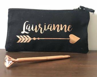 Trousse personalisé fléche or rose et son stylo diament (en option)