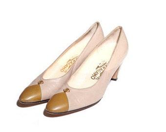 Vintage 1980s Two Tone Ferragamo Heels size 9.5