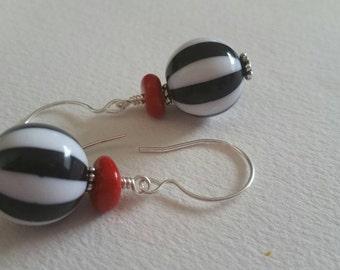 Le Cirque des Rêves - Artisan Lampwork Bead Earrings - Red Black White Stripe