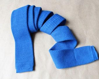 Square end tie cravate.Blue cravate.Slim skinny vintage neck tie.Vintage tie.Skinny tie.Square tie.Knitted skinny tie.Germany tie.Wool tie.