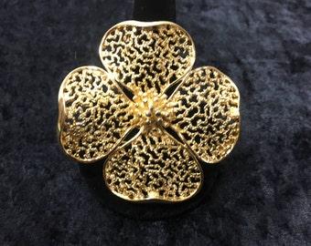 Lisner Dogwood Flower Brooch in Silver Tone