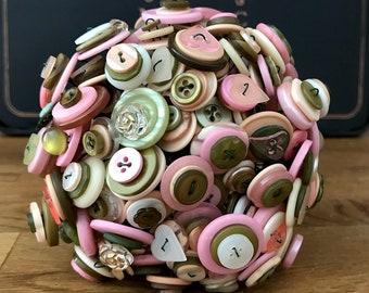 PRINTEMPS Vintage Button Bouquet OOAK