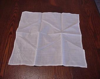 Vintage 1880's Victorian Ladies Linen Handkerchief w/Lace