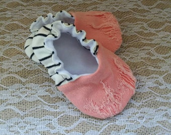 Handmade baby shoes, Soft sole shoes, baby booties, baby slippers--Coral Pink Distresses