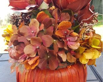 Fall floral arrangement,Pumpkin centerpiece,Fall centerpiece,Fall arrangement,Fall wedding centerpiece, Pumpkin arrangement