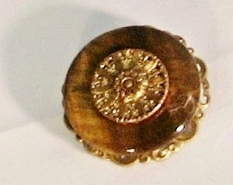 Vintage Button Pin, brooch, tiger eye donut, antique gold filigree, twinkle button, Jewelry