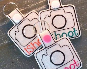 iShoot camera keychain, camera keyfob, dslr, photographer gift, photographer, photo gift, glitter vinyl keyfob, glitter keychain