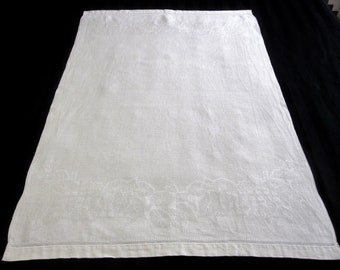 "Vintage White Linen Floral and Leaf Damask Guest Bath Towel, Vintage Bath Linens – 23"" x 35.5 (cv1635)"