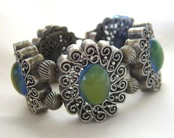 Seltene Oldtimer Tortolani Silber filigrane Armband Breite Gliederarmband mit Faux Mondsteine, 1960er Jahre anzuzeigen