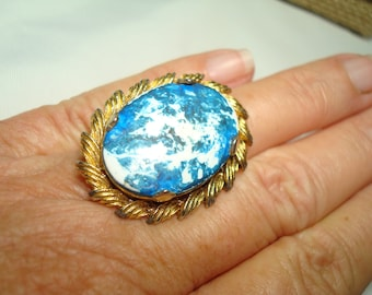 1970's Large Blue and White Ceramic with Gold Tone Band Ring.