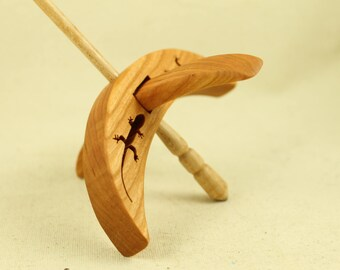 Cut-out Lizard Turkish Drop Spindle
