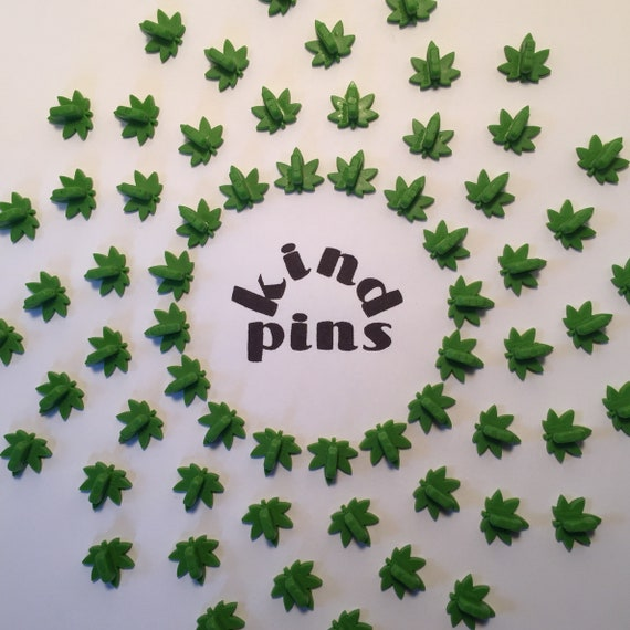 Marijuana Leaf Pin Back / Clutch