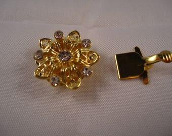 Gold Flower 5 rhinestones and 1 Center rhinestone clasp