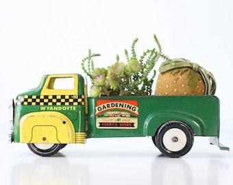 Vintage Wyandotte Truck, Gardening Toy Truck, Green