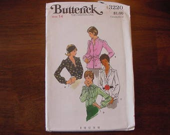 VINTAGE 1970s Butterick Pattern 3220, Misses Semi Fitted Blouse with Variations, Size 14 Bust 36 Uncut