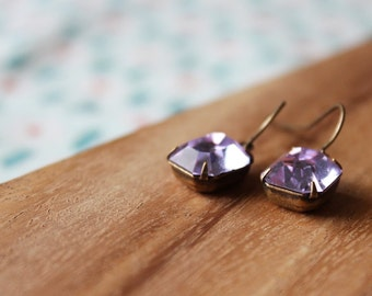 vintage glass earrings - light purple