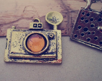 2pcs Antique Bronze camera Pendant Charms 36mmx39mm