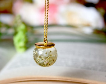 Orb / necklace / white / Botanical Jewelry, Terrarium, Gift for her, Pressed Flower Necklace, Real Flower Jewelry, Resin Flower Jewelry