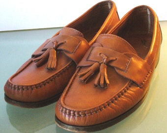 Eddie Bauer Made in Italy Tassle Loafers Size 10