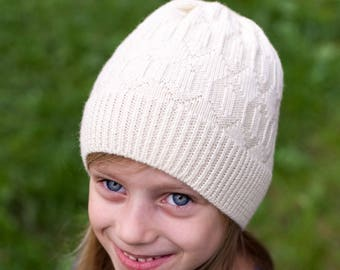 Knit girls winter hat, merino wool hat, knitted white hat, teenager beanie