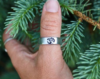 Boho Aum Ring, Aum Thumb Ring, Be Here Now, Yoga Jewelry, Aum Adjustable Ring, Unisex Yoga Ring, Aum Jewelry, Yoga Rings, Gift for Yogi, Aum