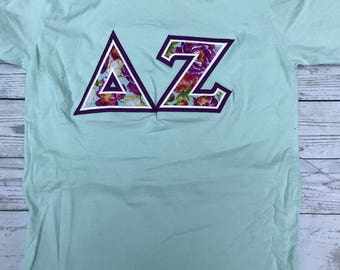 Delta Zeta Greek Stitched Lettered American Apparel Crewneck Short Sleeve Shirt Size Extra Small