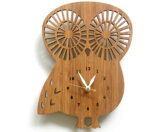 Wooden Owl clock with numbers, modern wall clock, animal clock