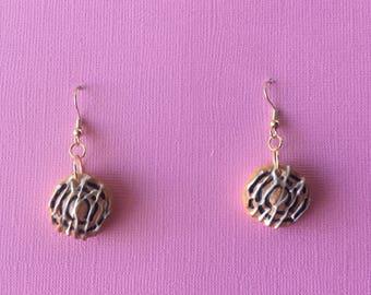 Cinnamon Scroll Earrings