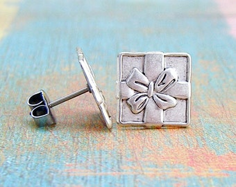 Gifted - antique silver post earrings