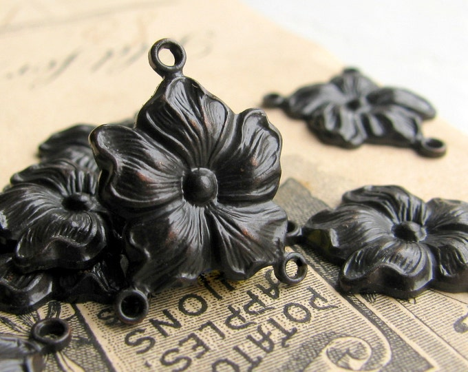 Hibiscus single flower necklace link, antiqued black brass, 20mm (4 connectors)  floral three way link, reducer - dark, aged patina