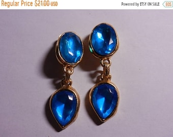 Spring Sale Vintage Large Designer Unsigned Clip On Earrings Pair Set Quality