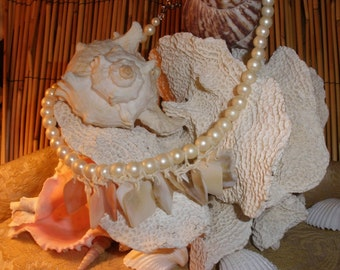 Shell Chime Necklace