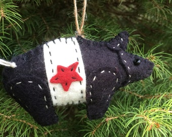 Little felt folk art pig