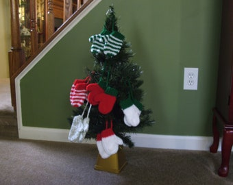 Hand Knitted - Christmas Mitten Ornaments