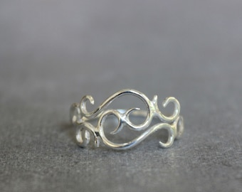 Silver filigree ring, Delicate ring, Women's ring, Sterling silver ring, Jewelry gift.