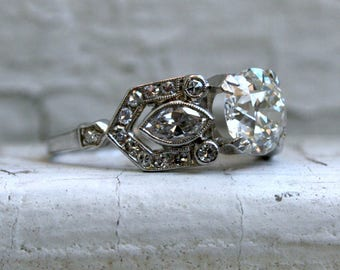 Stunning Vintage Art Deco Platinum Diamond Engagement Ring - 2.58ct.