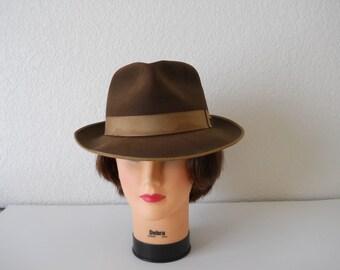 Vintage 1950s Towncraft Beaver Felt Hat /  Guilded Brim