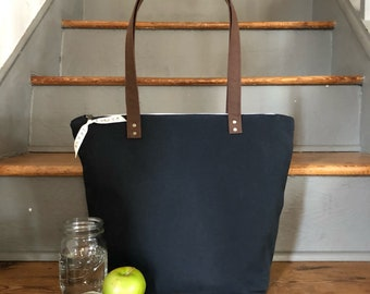 Insulated Lunch Bag | Black Insulated Lunch Tote | Lunch Bag