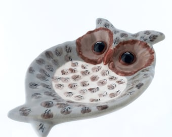 Ceramic Wide Eye Owl Spoon Rest or Ceramic Soap Dish in Warm Taupe Brown Cream