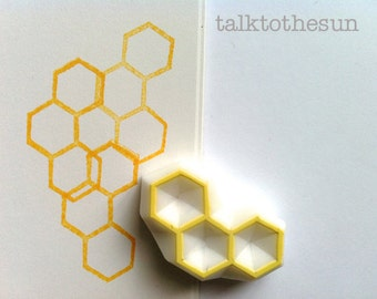 beehive stamp | honeycomb stamp | hexagon pattern | geometric stamp | creative card making | diy art journal | hand carved by talktothesun