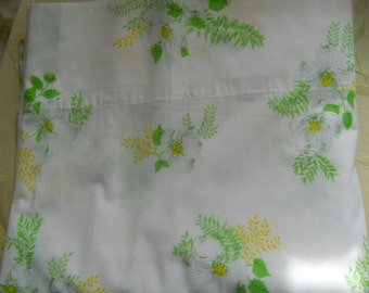 Vintage Twin Flat Sheet Dogwood Spring Flowers Yellow Green Mothers Day Graduation