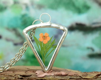 botanical necklace, minimal flower jewelry, mom gift, floral pendant, nature gift
