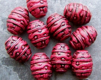Etched Beads, Boho Beads, Tribal Beads, Vintage Beads, Lucite Beads, Raspberry, Cranberry, Barrel Beads, Antiqued, 10 Beads