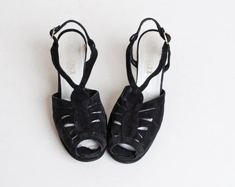 Vintage 70s Black Slingback Shoes / vintage 70s t strap shoes / leather cutout pumps / Vintage Peeptoes, 8 39