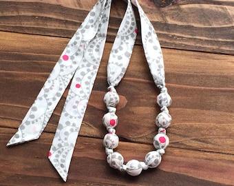 Teething necklace - Organic teething necklace - Teething jewelry - Eco friendly mom gift - Nursing necklace - Organic baby gift