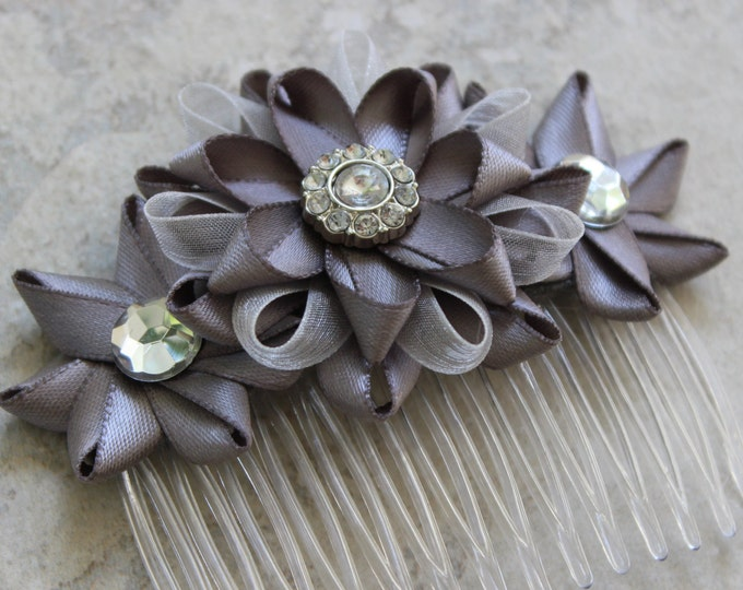 Silver Flower Hair Comb, Flower Hair Piece, Bridal Hair Comb, Silver Wedding Hair Comb, Wedding Hair Accessories, Gray Flower Comb