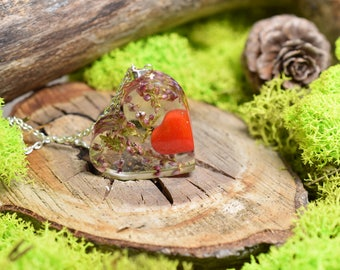Heart - resin pendant with heather